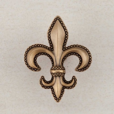 "Acorn DQDGP Artisan Collection Knob Fleur-De-Lis 1-5/8"" x 1-5/8"""